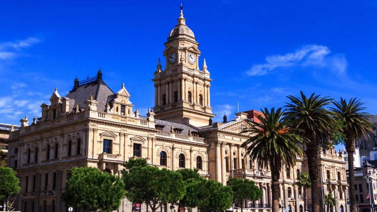 Best Cape Town Vacation Travel Guide Zen Tripster Africa Explore Victoria and Alfred Waterfront Kirstenbosch National Botanical Gardens Muizenberg Paarl