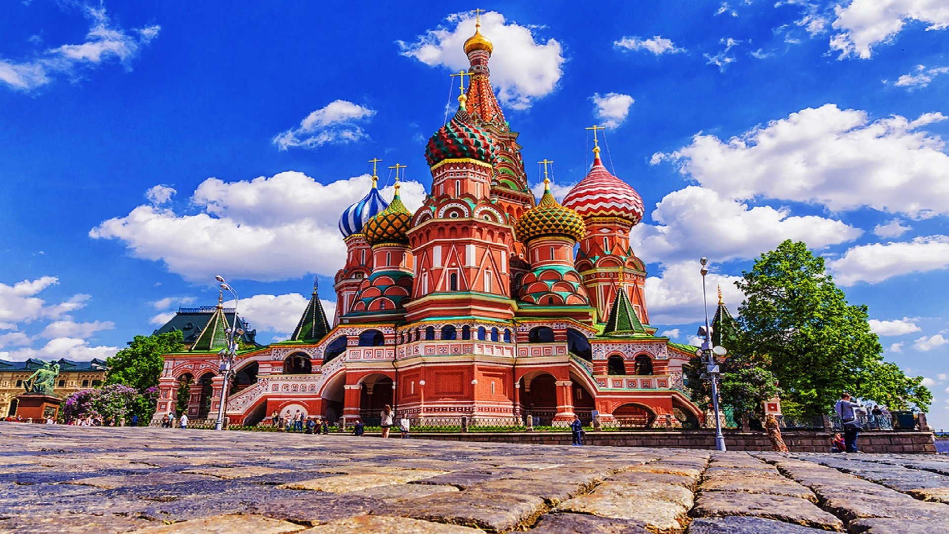 Best Places To Visit In Moscow Vacation Travel Guide To Moscow Zen Tripstar Alexander Gardens Kazan Cathedral Victory Park Moscow Kremlin